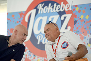 Koktebel Jazz Party Art Director Mikhail Ikonnikov and Rossiya Segodnya Director General Dmitry Kiselev at a news conference on the opening of theKoktebel Jazz Party – 2015 international jazz festival.